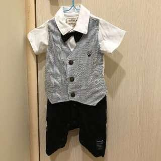 🚚 二手-日本阿卡醬嬰兒假兩件式西裝 80cm