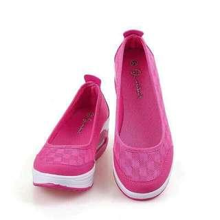 Very Comfty Pink Wedge Sports Slip On Shoes