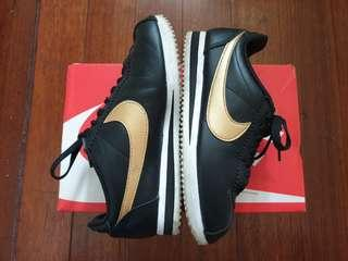 Nike Womens Classic Cortez Leather