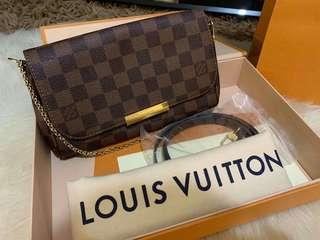 Louis vuitton favorite damier pm size