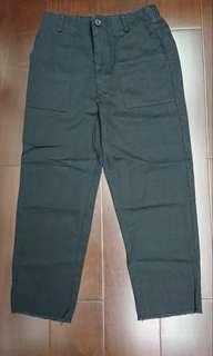 🚚 Queenshop黑色側口袋直筒鬚邊褲