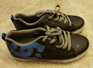 NEW DC skateboard sneakers shoes USA 6 UK 5