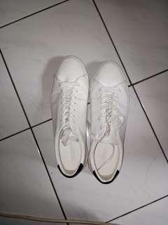 Sepatu Sneakers Pull&Bear