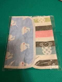 🚚 揹巾口水巾