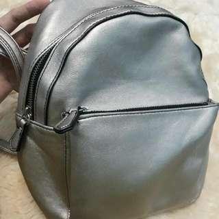 Stradivarius Ransel Bag