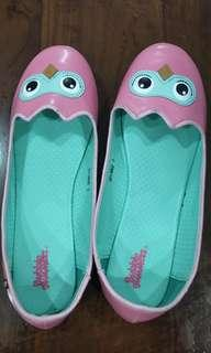 🚚 Girl's Bubble gummers ballerina shoes, worn once and still in good condition.
