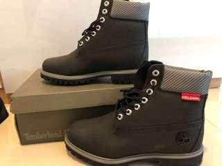NEW Authentic Timberland boots- Black & New