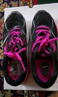 Sport Shoes like new