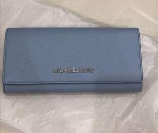 fb8fbdf7885 (Negotiable) Brand New Michael Kors Women's Long Leather Wallet (Authentic)