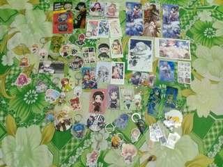 【動漫周邊】吊飾、明信片、胸章、小卡片