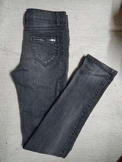 🚚 黑灰直筒水洗痕牛仔褲 #一百均價