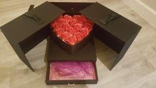 Gift Box 🗃 📣📣📣 LEFT 1 PCS
