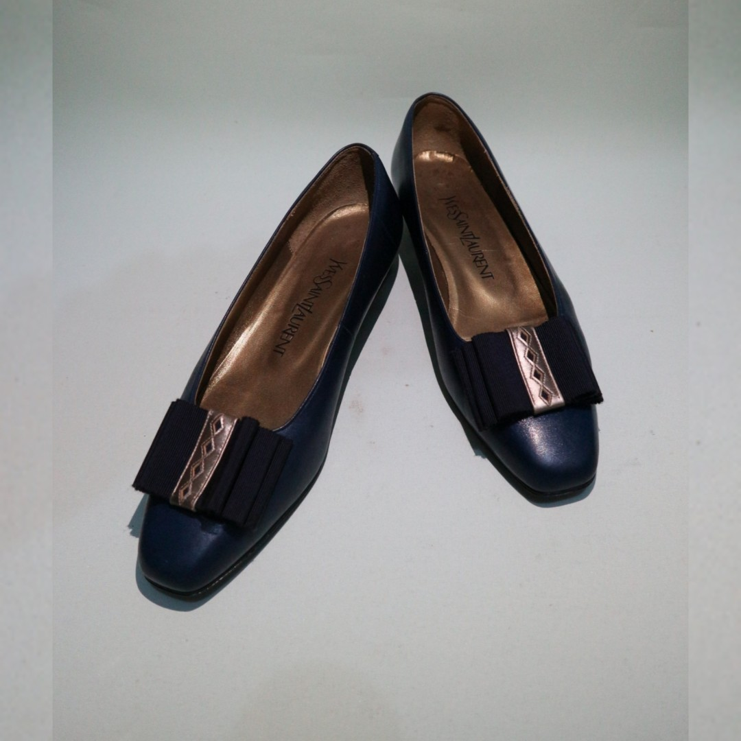 c868dab21d4 AUTH YSL FLAT SHOES, Women's Fashion, Shoes on Carousell