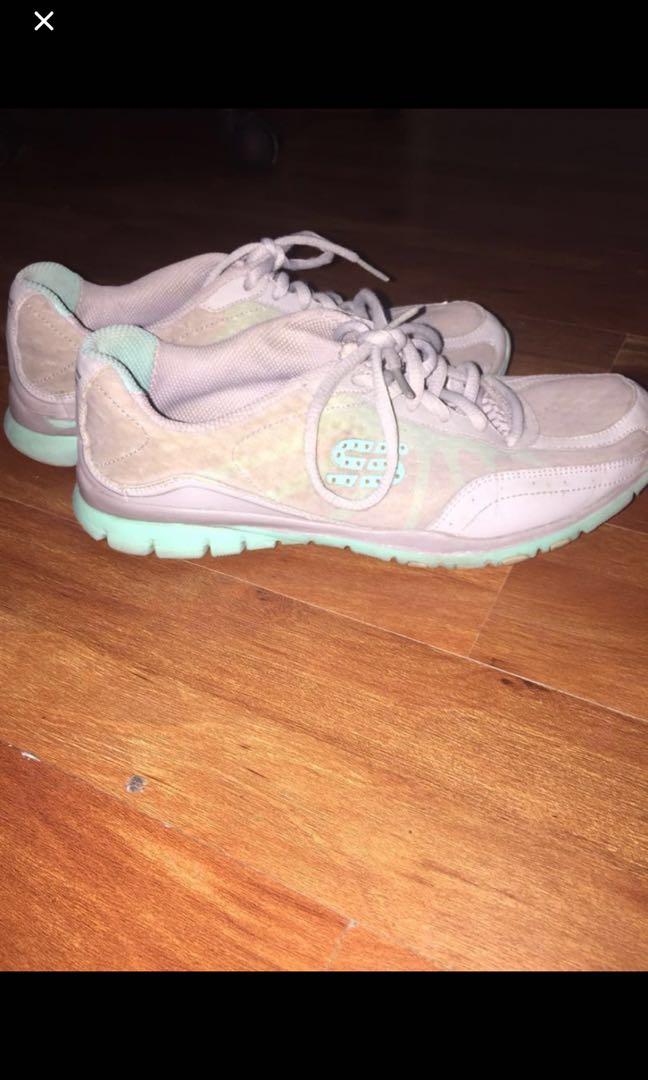 42e3b87a8ca6 authentic SKECHERS rubber shoes