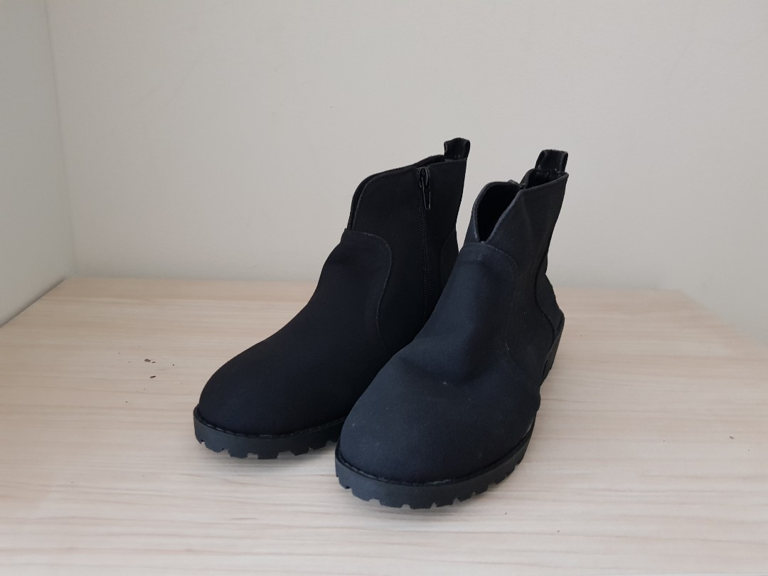 6e239d21108 Brand new comfortable affordable black booties
