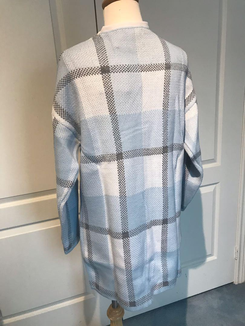 Brand new w/ tag - cozy long cardigan with buttons from Korea - size: xs/s