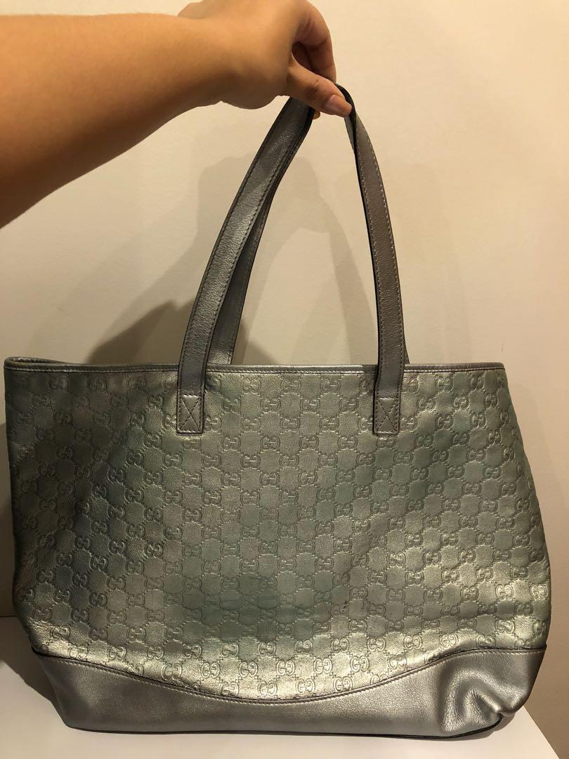 e58b041a48252f Gucci Metallic Silver Gg Coated Canvas Joy Medium Tote Bag Yoogi S. Gucci  Silver Metallic Tote Bag Luxury Bags Wallets On Carou