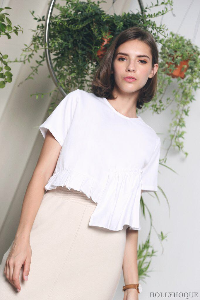 944c7f3385d Hollyhoque Joy Babydoll Top, Women's Fashion, Clothes, Tops on Carousell