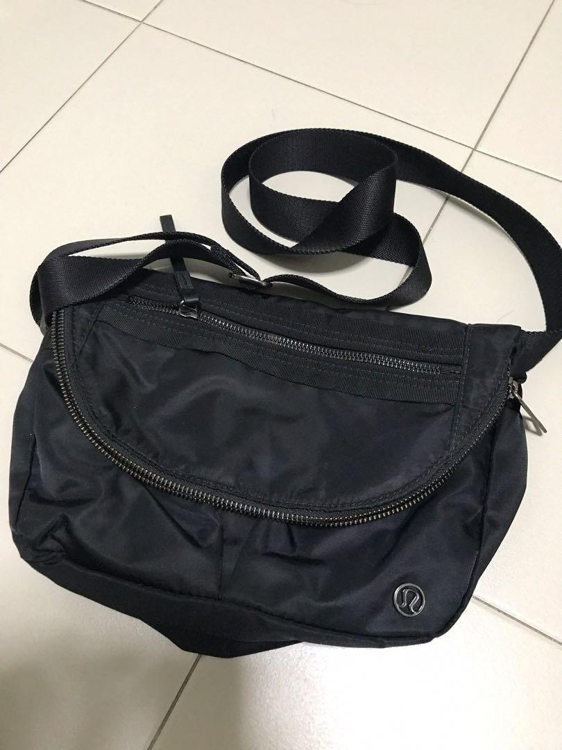 de40553242b1 Lululemon festival sling bag - black
