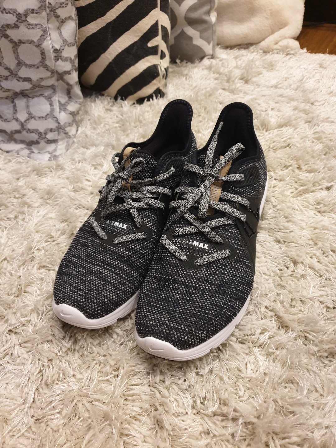 new arrival d61c0 3dd49 Nike Air Max Sequent 3, Women s Fashion, Shoes on Carousell