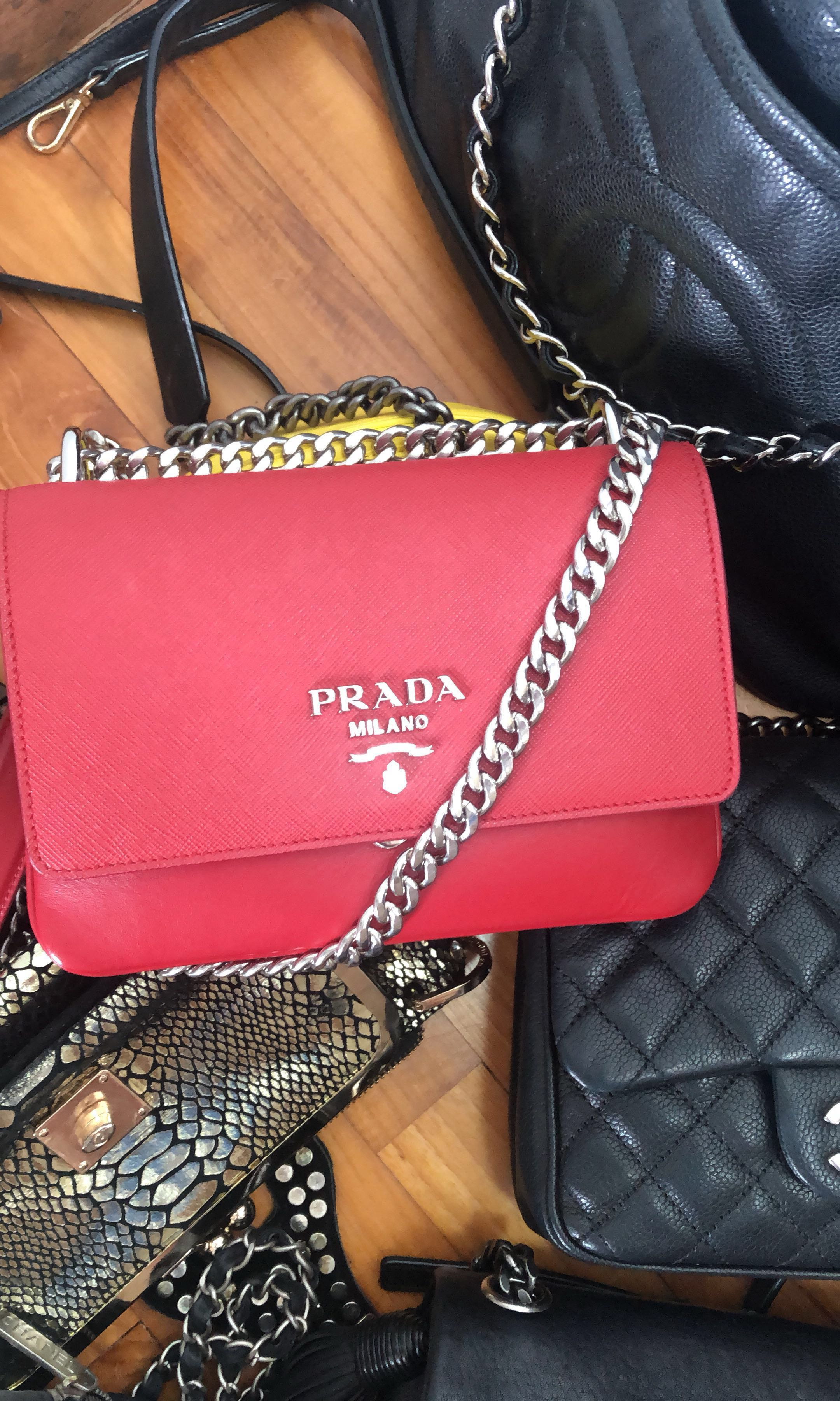 ded88155d893f0 PRADA HANGBAG Like new, used once, Authentic , Luxury, Bags ...