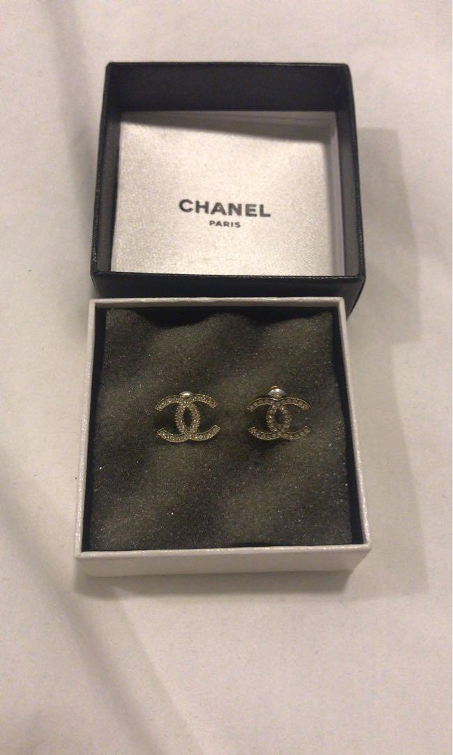 Pre Loved Clic White Gold Chanel Earrings Luxury
