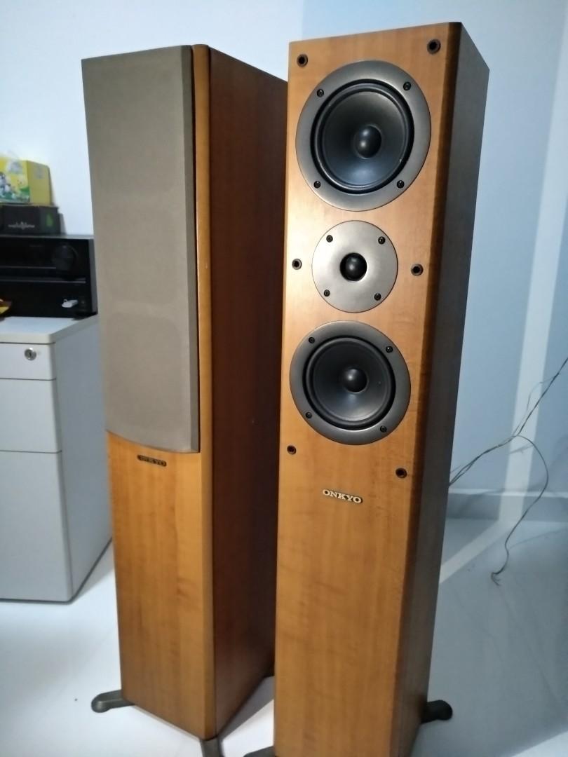 Speakers floor standing type Onkyo, Electronics, Audio on