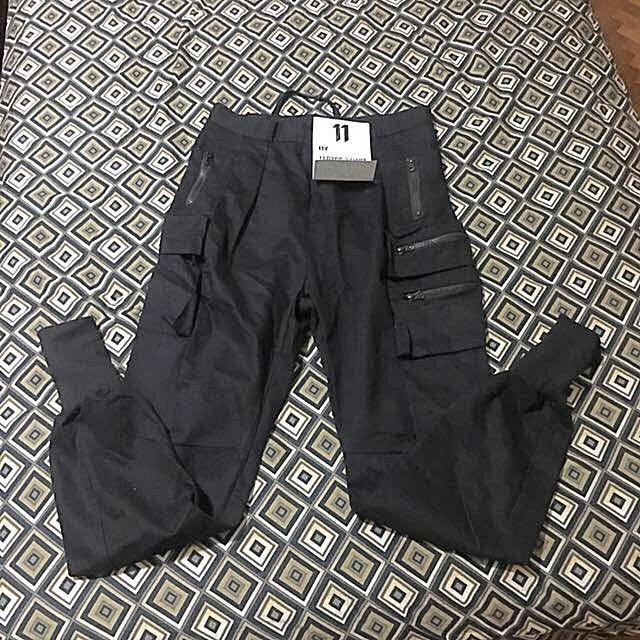 467fc47b64 Techwear Black Cargo Jogger Pants (PO), Men's Fashion, Clothes ...