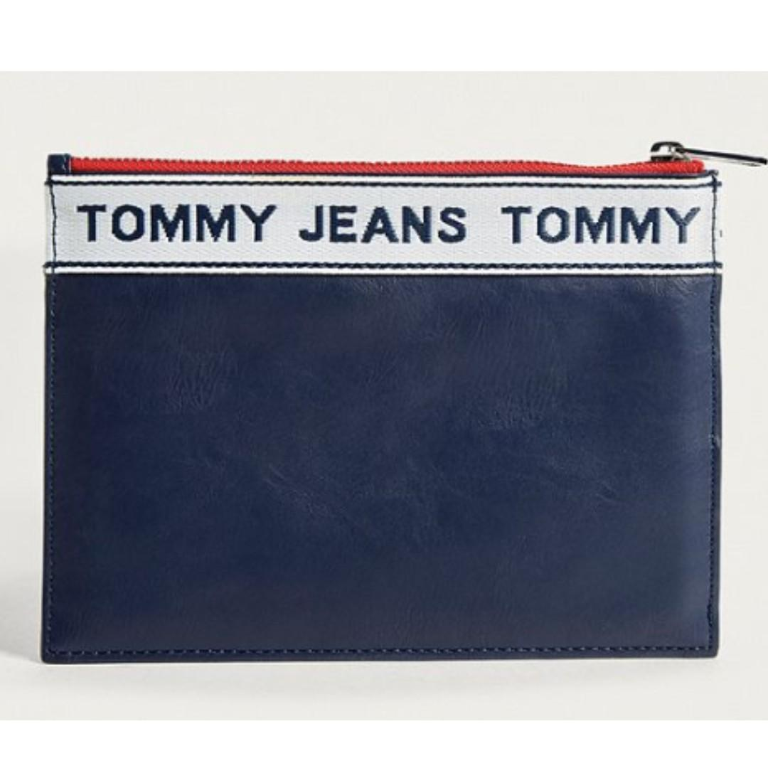 Tommy Jeans 萬用包包