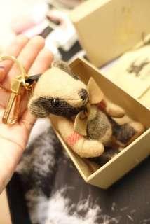 求認養🧸Burberry經典小熊 格紋小熊 近全新 二手正品 玩偶鑰匙圈 吊飾