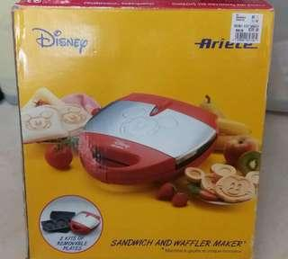 Micky sandwich and waffler maker