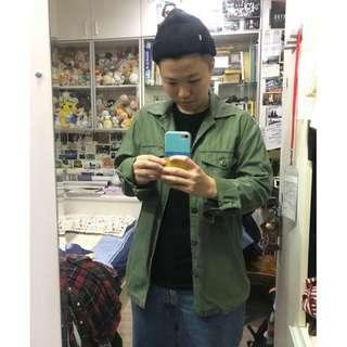 🚚 8成新!Uniqlo帥氣軍綠襯衫