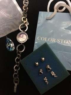 Assorted accessories bundle