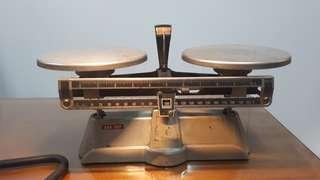 Vintage counter weight balance scale