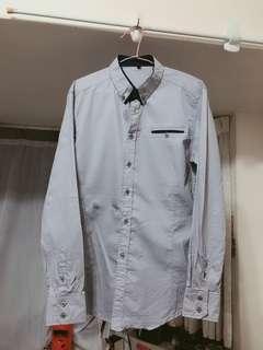 🚚 灰藍色襯衫