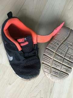 Pre loved Nike Shoes