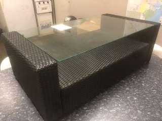 Coffee table wicker and glass
