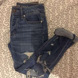 SIZE 25 TOMBOY AE RIPPED JEANS