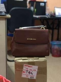Michael Kors Leather Handbag (BROWN)