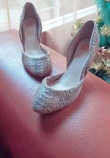 Very good condition Ped Der Red sepatu