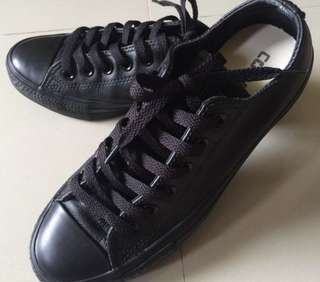 932c9cca9488b7 Converse all black shoes (leather)