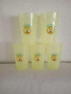 29 Reusable plastic cups