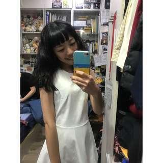 🚚 7成新!版型極美小仙女全白A字洋裝