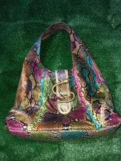 Tas Reptile asli,ini kulit ular asli ya bukan sintesis