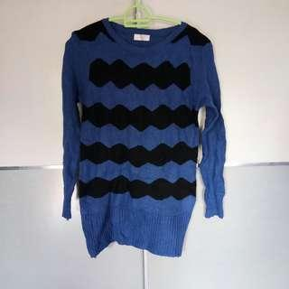 Black & Blue Knitted Top