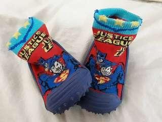 Kaos kaki sepatu