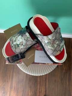 GUCCI Floral Pool Slides Sandals for Women