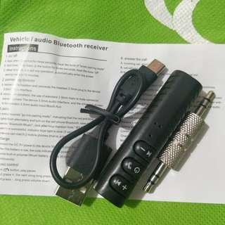 Vehicle Bluetooth audio connector
