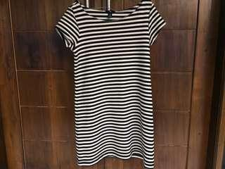 Dress GAP hitam putih
