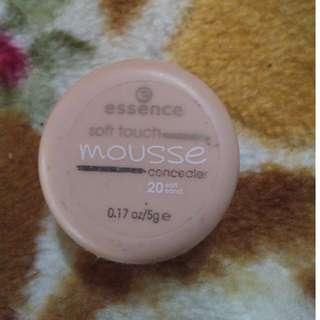 Essence Soft touch mousse concealer
